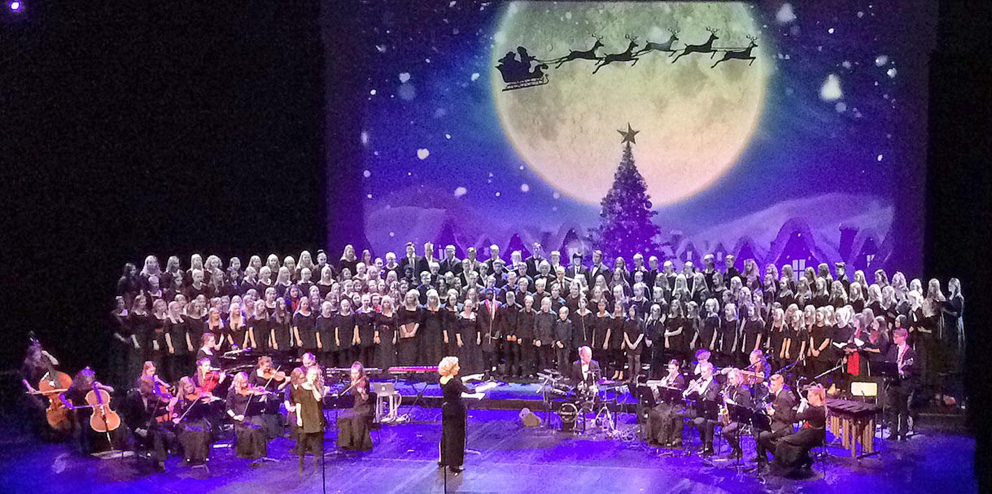 20.12.2018 Tiirismaan yläkoulun musiikkiluokkien ja musiikkilukion joulukonsertti Lahden kaupunginteatterin Juhani-näyttämöllä.